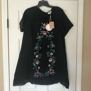 Umgee boutique large shift dress embroidered